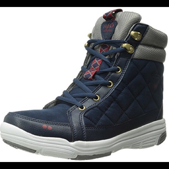 Leather Water Resistant Hightop Shoe